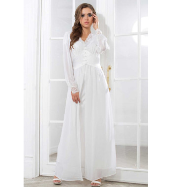 Lady in white 17259