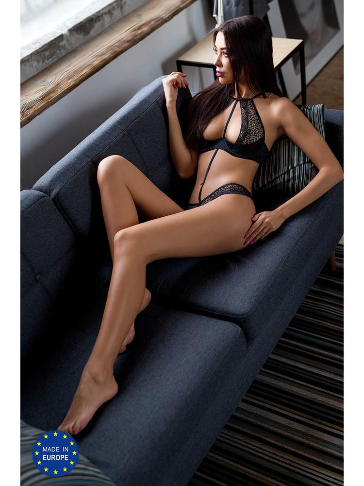 Scarlet bikini Black